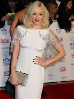 fearne-cotton-at-national-television-awards-2014-in-london_5