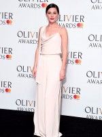 phoebe-fox-at-olivier-awards-in-london-04-09-2017_11